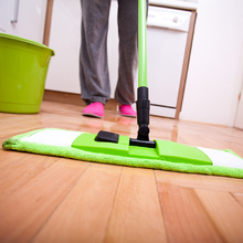 Препарати за почистване на подови повърхности